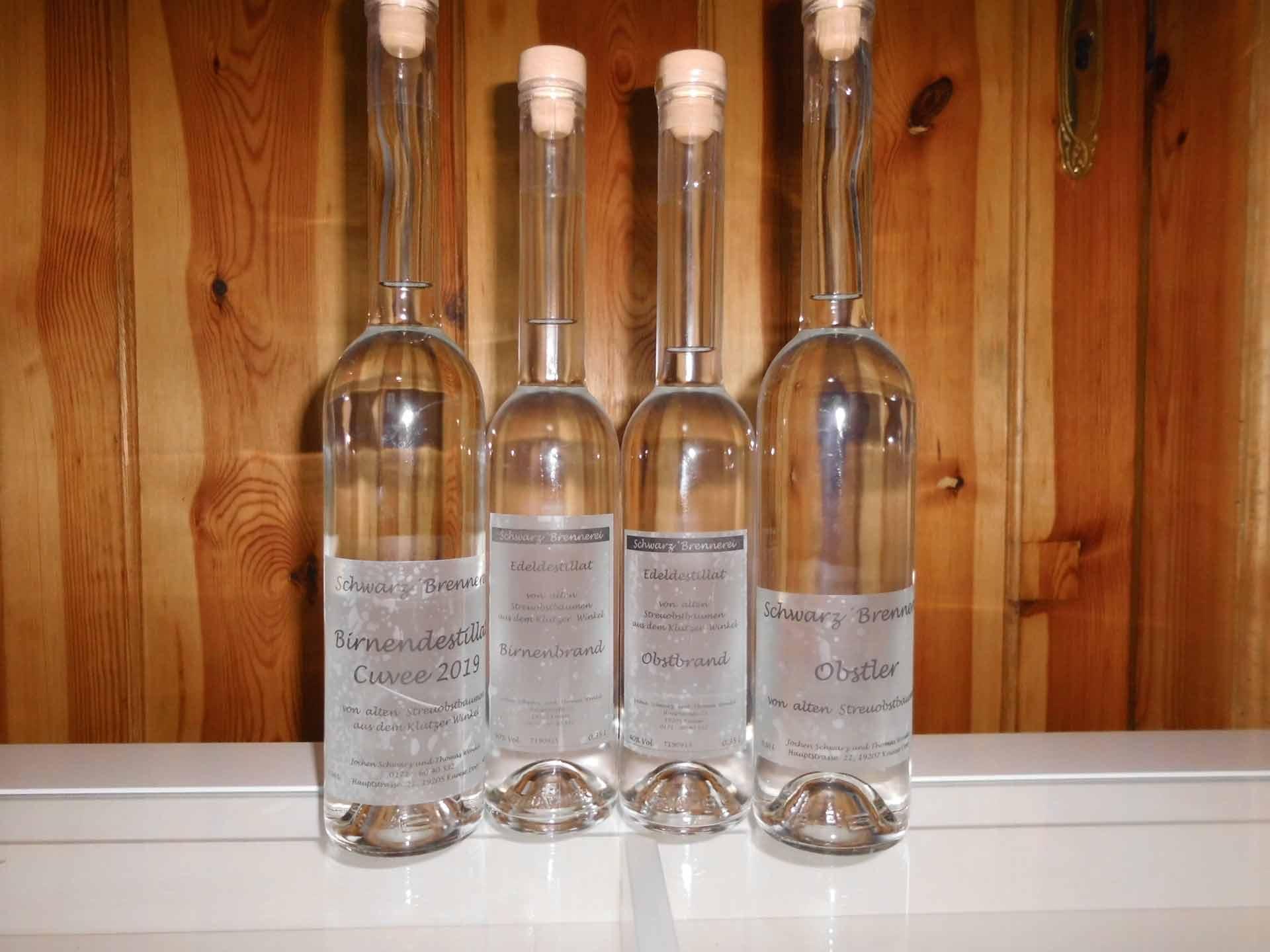 Exclusive Flaschen mit Obstbraenden